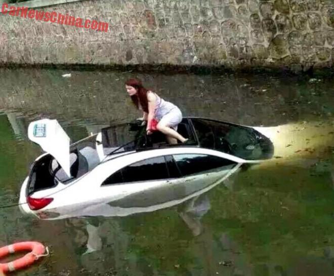 woman-water-china-3