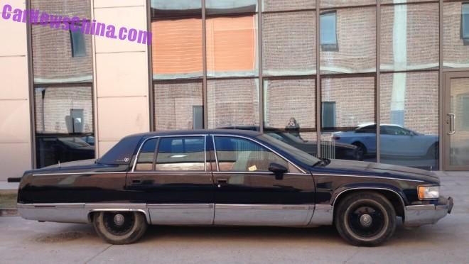 cadillac-brougham-black-china-2