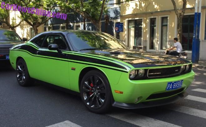 Spotted in China: Dodge Challenger SRT8 392