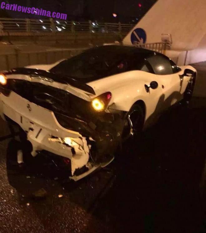ferrari-458-crash-china-1