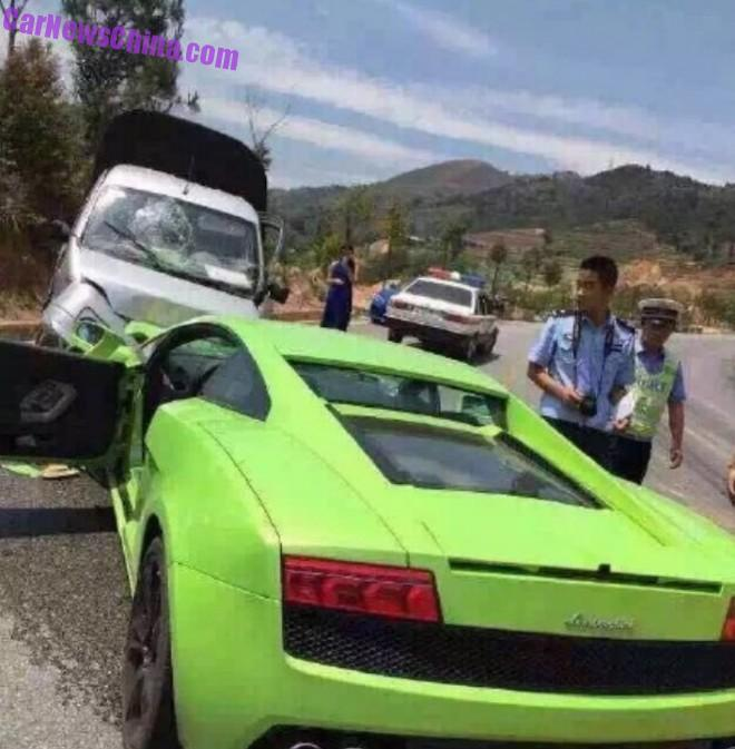 lambo-crash-china-galvan-1b