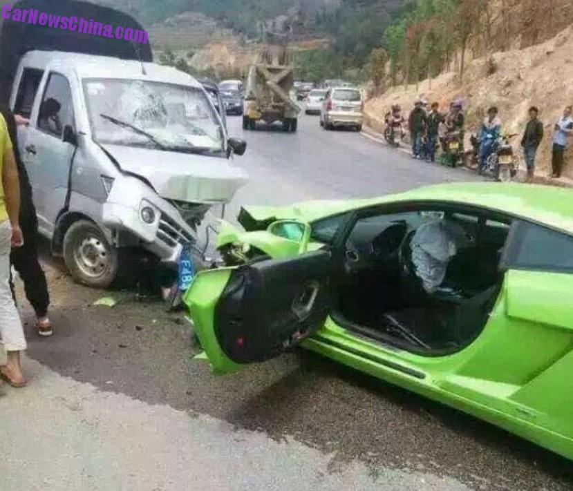 Lamborghini Gallardo Hits A Mini Pickup Truck In China