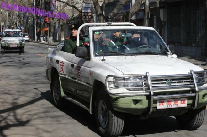 roewe-suv-police-parade-1a