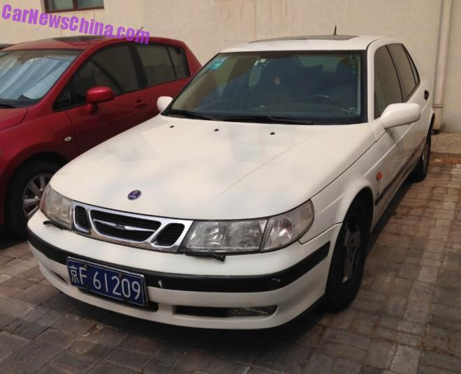 Spotted in China: first generation Saab 9-5 SE