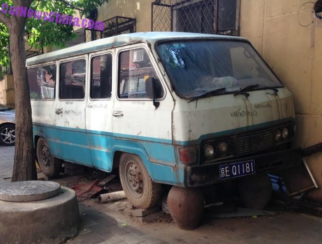 Spotted in China: the Beijing Yanjing YJ5021 minibus