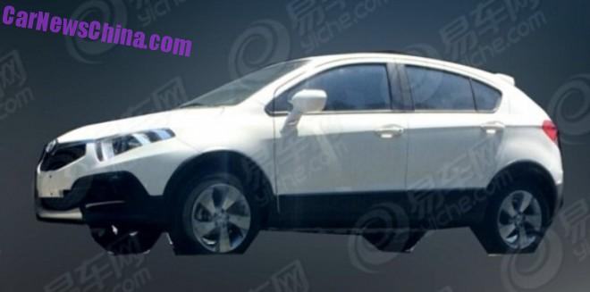 Spy Shots: Brilliance H220 Cross testing in China