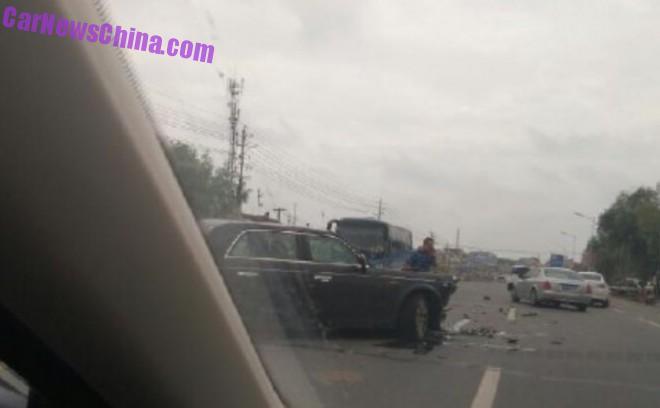 hongqi-l5-crash-2