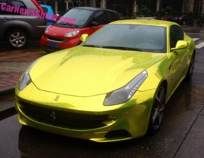 Ferrari FF is Shiny Yellow Gold in China