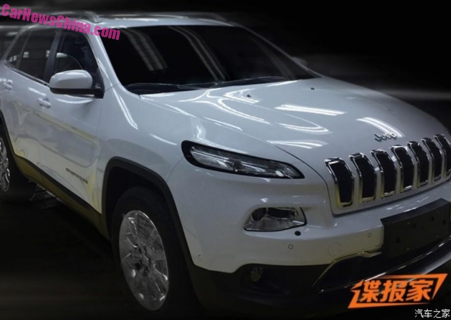Spy Shots China Made Jeep Cherokee Is Ready For The Chinese Car Market