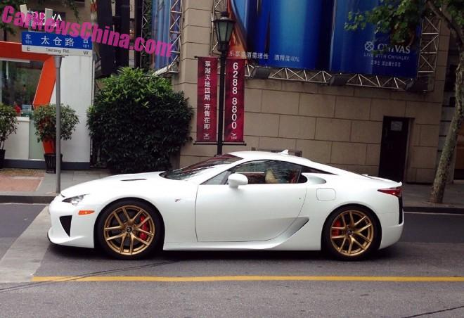 lexus-lfa-china-white-2