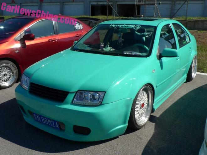 Volkswagen Bora is a lime green lowrider in China