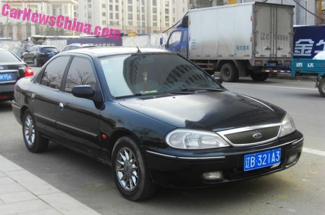 ford-mondeo-m2000-67