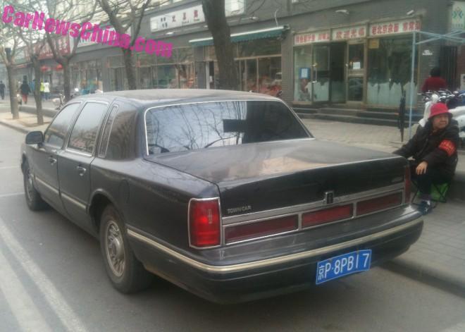 lincoln-town-car-china-4