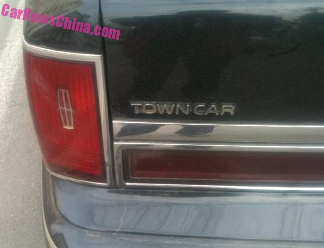 lincoln-town-car-china-6
