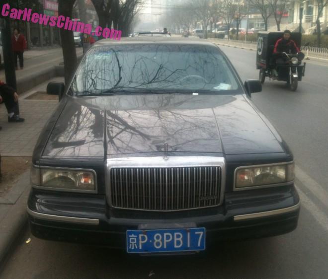 lincoln-town-car-china-7