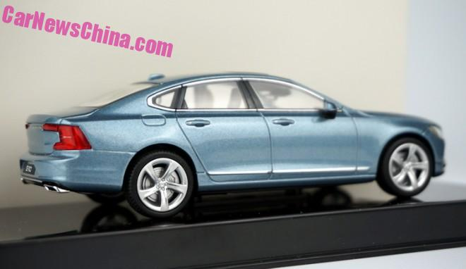 volvo-s90-blue-5