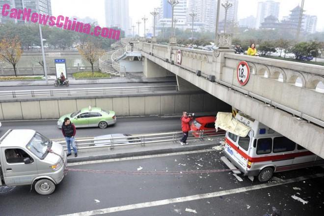 ambulance-china-bridge-1