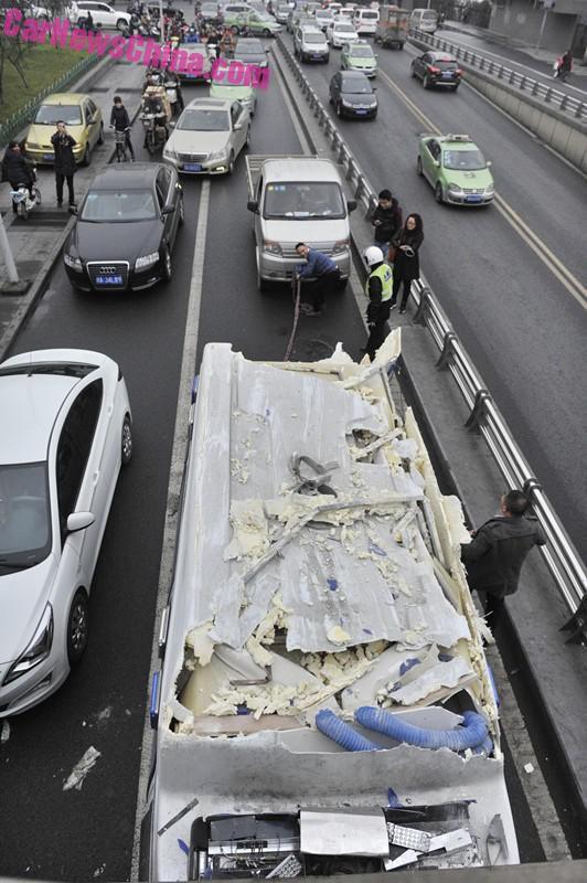 ambulance-china-bridge-4