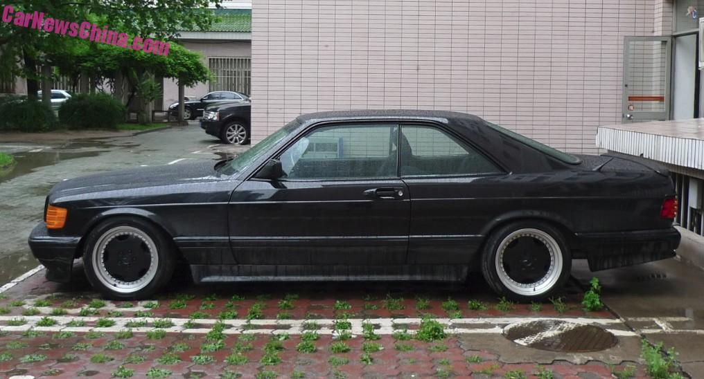 Spotted in China: C126 Mercedes-Benz AMG 560SEC