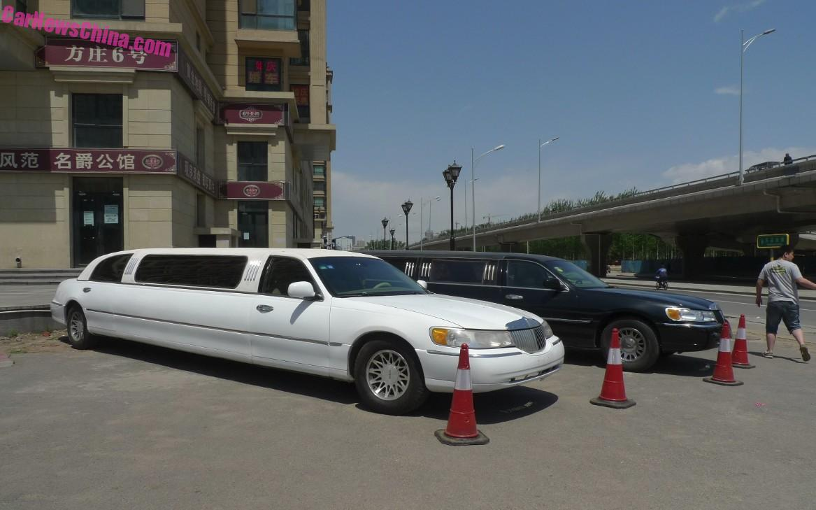 Spotted In China Lincoln Town Car Stretched Limousine Times Three