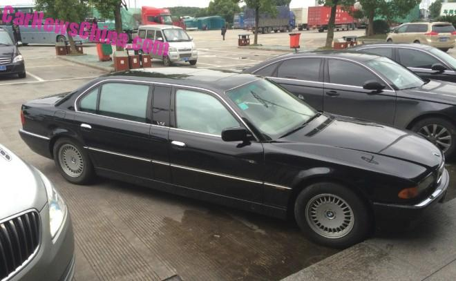 Spotted in China: E38 BMW L7 limousine