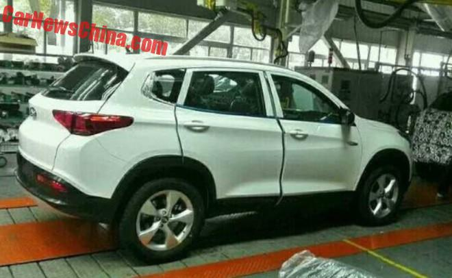 More Spy Shots of the Chery TX15 SUV for China