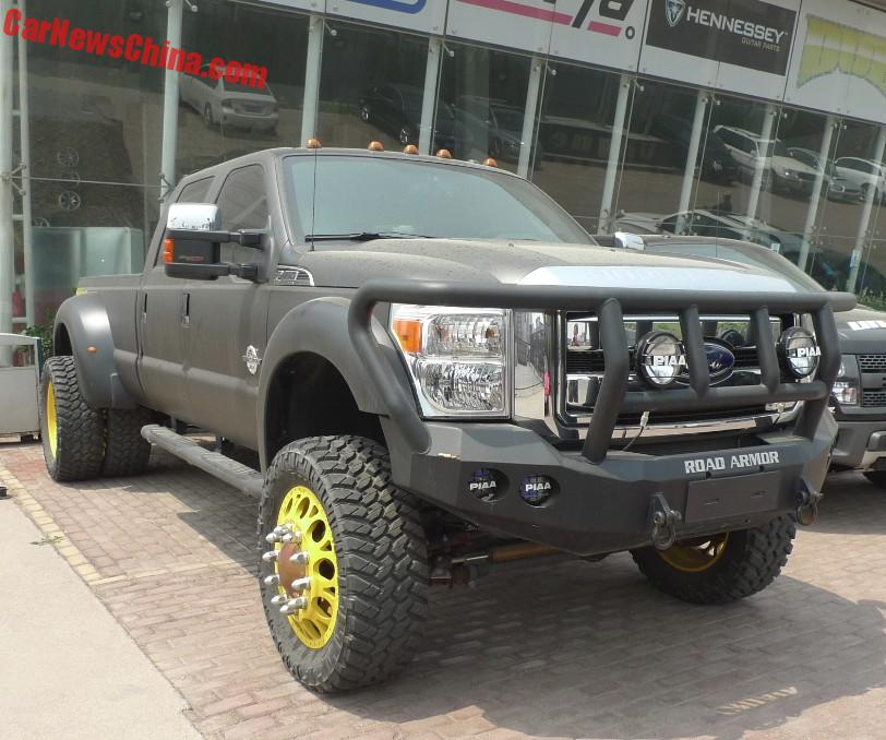 Ford F-450 Super Duty Is Truly Massive In China