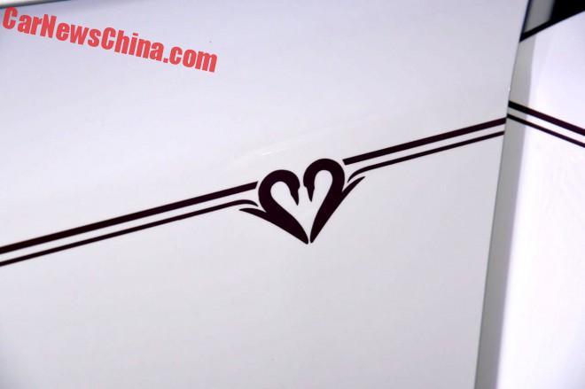 rolls-love-china-2