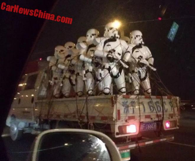 Stormtroopers invade China by flatbed truck