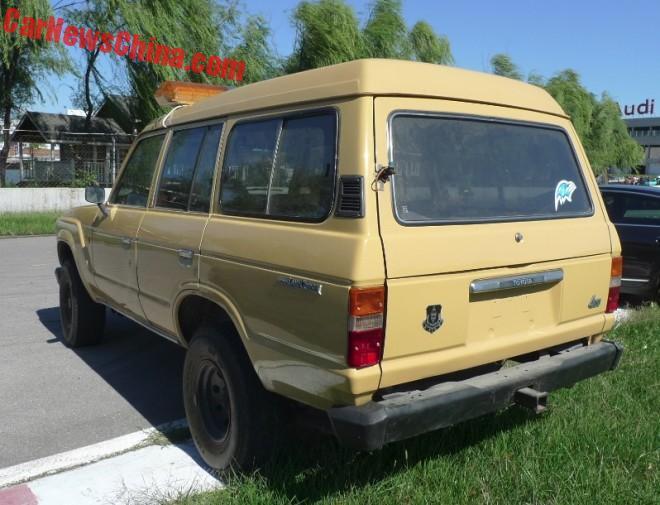 toyota-land-cruiser-beige-3