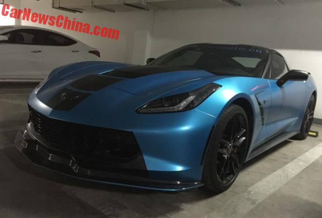Chevrolet Corvette Stingray is matte blue and modified in China