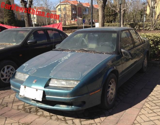 Spotted in China: first generation Saturn S-Series SL sedan