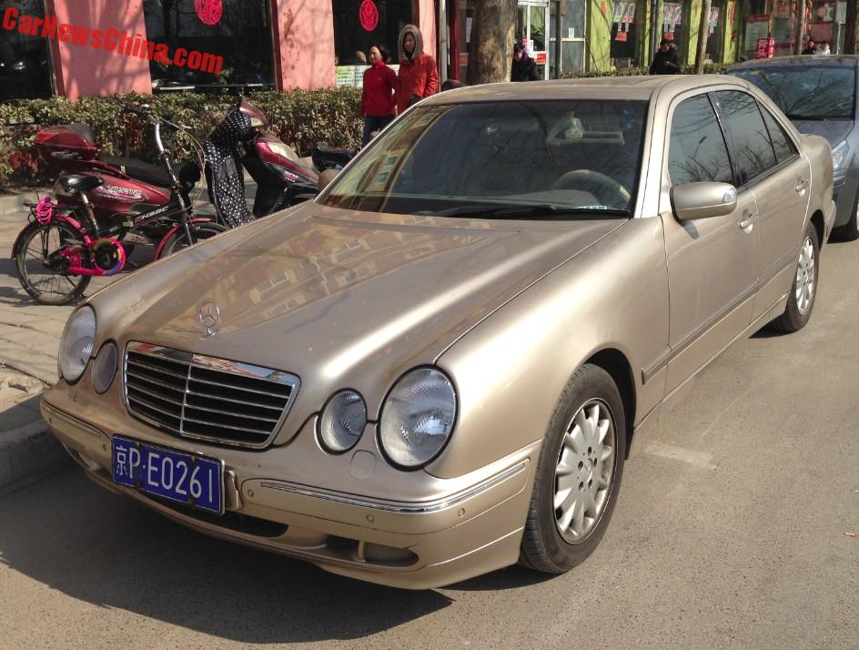 Second generation mercedes benz e240 is gold in china for Mercedes benz china