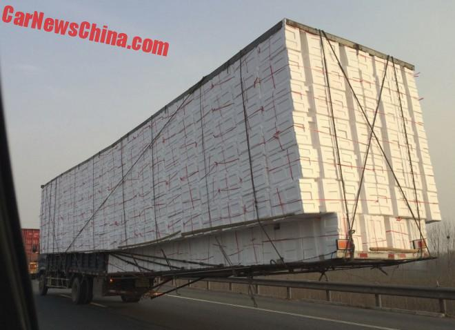 china-truck-overhang-2