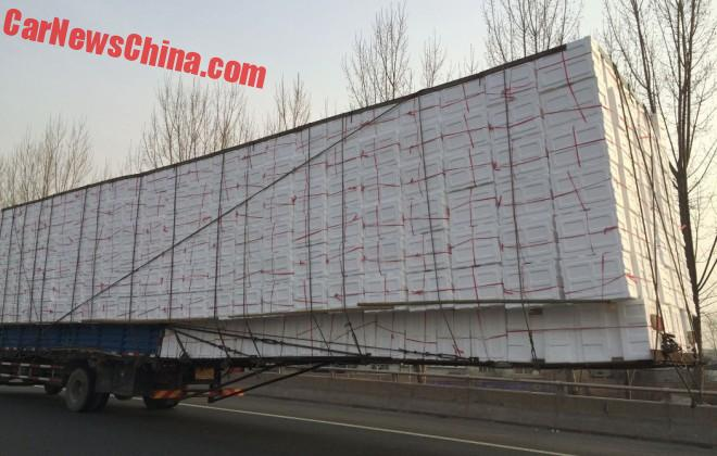 china-truck-overhang-3