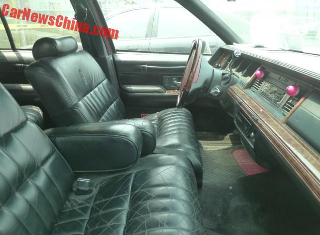 spotted in china lincoln town car executive series in red. Black Bedroom Furniture Sets. Home Design Ideas