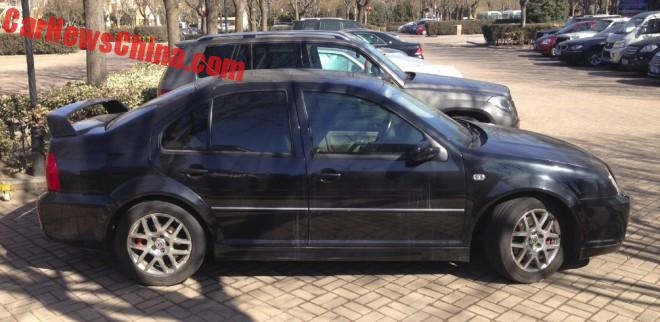 volkswagen-bora-r-china-black-2