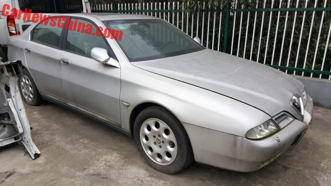 Spotted in China: an Alfa Romeo 166 in Shanghai
