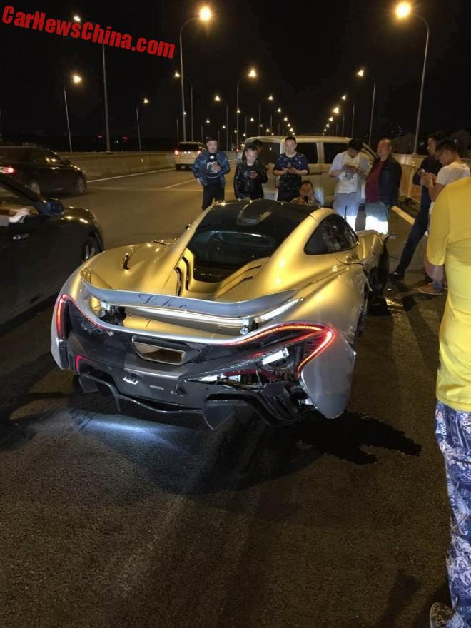 mclaren-p1-crash-china-4