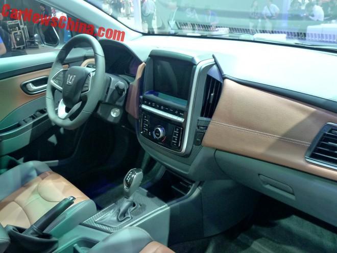 luxgen-3-sedan-china-2b