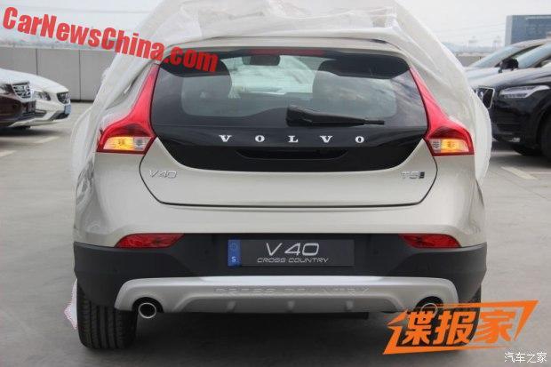 volvo-v40-autoweek-9c