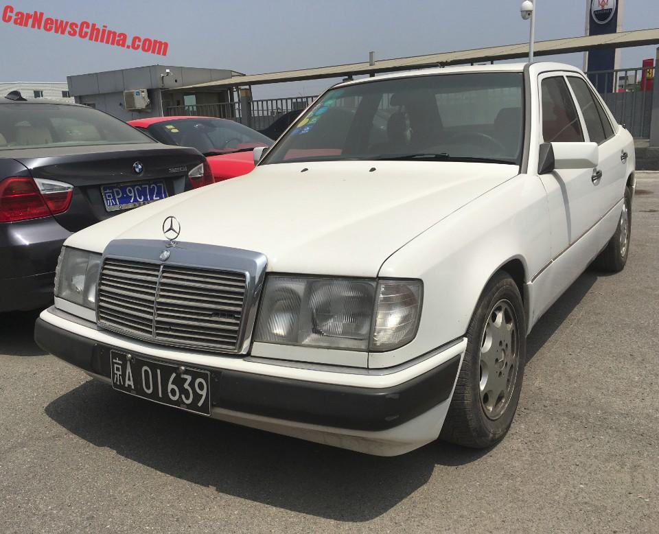 Spotted in china w124 mercedes benz in white for Mercedes benz china