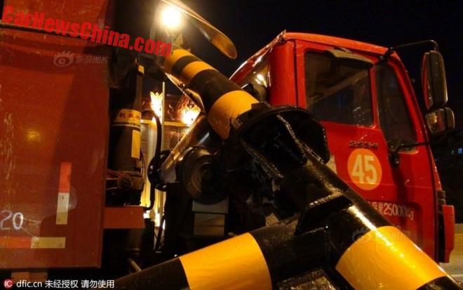 truck-pole-2