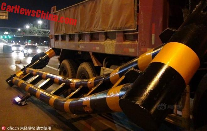 truck-pole-2b