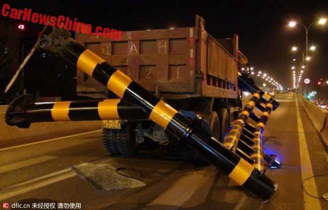 truck-pole-2c