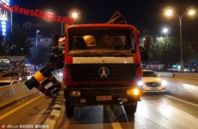 truck-pole-3