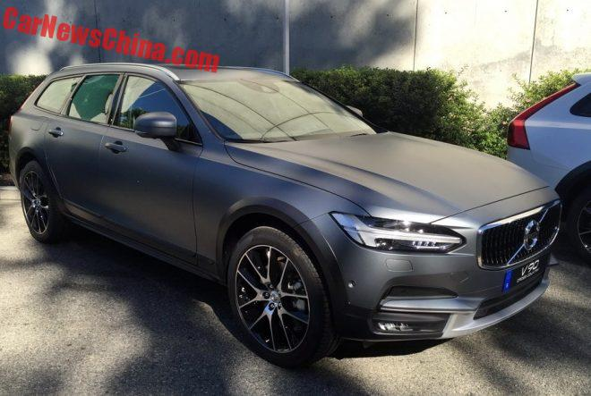 First Photos Of The Volvo V90 Cross Country