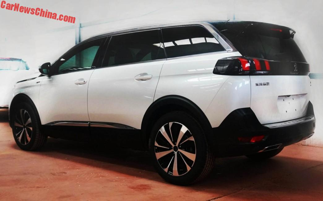 spy shots the peugeot 5008 gt line is a sporty seven seat suv for china. Black Bedroom Furniture Sets. Home Design Ideas
