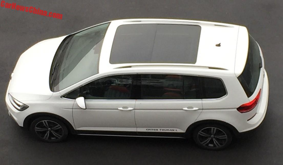 the volkswagen cross touran l is a crossy mpv for china. Black Bedroom Furniture Sets. Home Design Ideas